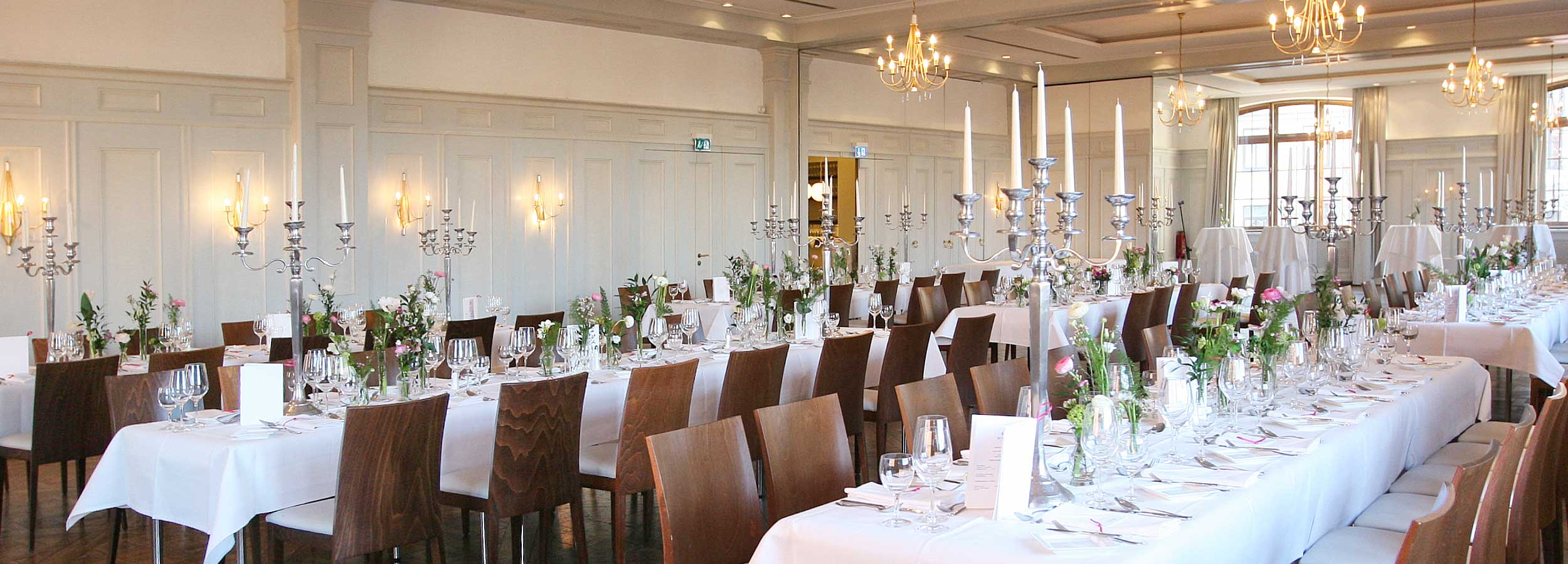 Ballroom for weddings and birthday parties and event hall for meetings, seminars and trainings in Munich city center